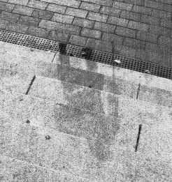 figure-walking-with-a-cane-photo-Hiroshima